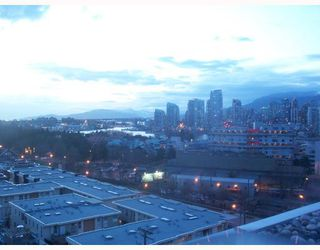 "Photo 1: PH3 587 W 7TH Avenue in Vancouver: Fairview VW Condo for sale in ""AFFINITI"" (Vancouver West)  : MLS®# V696581"