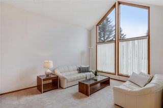 Photo 3: 709 EDGEBANK Place NW in Calgary: Edgemont Detached for sale : MLS®# C4259553