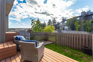 Photo 19: 124 GLAMIS Terrace SW in Calgary: Glamorgan Row/Townhouse for sale : MLS®# C4267866
