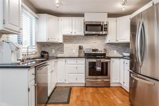 Photo 8: 124 GLAMIS Terrace SW in Calgary: Glamorgan Row/Townhouse for sale : MLS®# C4267866