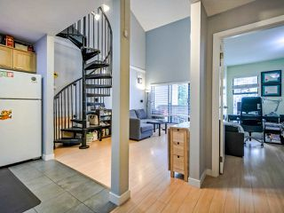 "Photo 5: 311 423 AGNES Street in New Westminster: Downtown NW Condo for sale in ""The Ridgeview"" : MLS®# R2415243"