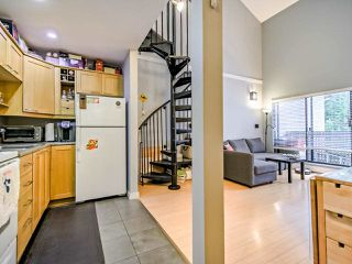 "Photo 4: 311 423 AGNES Street in New Westminster: Downtown NW Condo for sale in ""The Ridgeview"" : MLS®# R2415243"