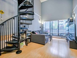 "Photo 6: 311 423 AGNES Street in New Westminster: Downtown NW Condo for sale in ""The Ridgeview"" : MLS®# R2415243"
