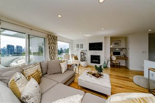 Photo 3: 5770 WINCH Street in Burnaby: Parkcrest House for sale (Burnaby North)  : MLS®# R2451874