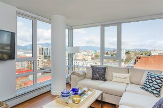 "Photo 4: 1807 188 KEEFER Street in Vancouver: Downtown VE Condo for sale in ""188 Keefer"" (Vancouver East)  : MLS®# R2453086"