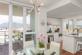 "Photo 2: 1807 188 KEEFER Street in Vancouver: Downtown VE Condo for sale in ""188 Keefer"" (Vancouver East)  : MLS®# R2453086"