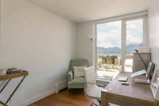 "Photo 10: 1807 188 KEEFER Street in Vancouver: Downtown VE Condo for sale in ""188 Keefer"" (Vancouver East)  : MLS®# R2453086"