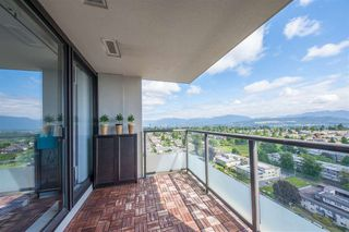 Photo 6: 2202 7325 ARCOLA Street in Burnaby: Highgate Condo for sale (Burnaby South)  : MLS®# R2466537