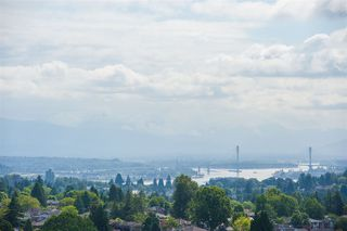 Photo 4: 2202 7325 ARCOLA Street in Burnaby: Highgate Condo for sale (Burnaby South)  : MLS®# R2466537