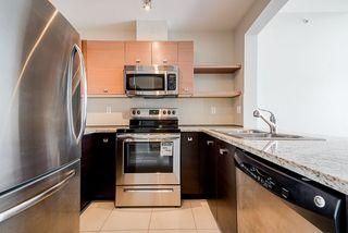 Photo 4: 409 6628 120 STREET in Surrey: West Newton Condo for sale : MLS®# R2463342