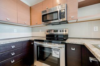 Photo 5: 409 6628 120 STREET in Surrey: West Newton Condo for sale : MLS®# R2463342