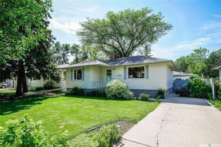 Photo 1: 1120 EWART Avenue in Saskatoon: Holliston Residential for sale : MLS®# SK819662