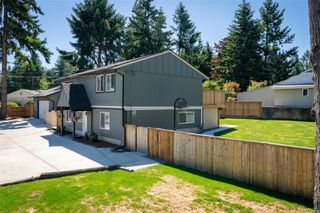 Photo 1: 2625 Labieux Rd in : Na Diver Lake Single Family Detached for sale (Nanaimo)  : MLS®# 855198