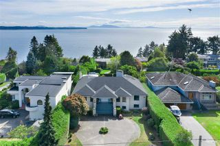 Photo 4: 13976 MARINE Drive: White Rock House for sale (South Surrey White Rock)  : MLS®# R2503536