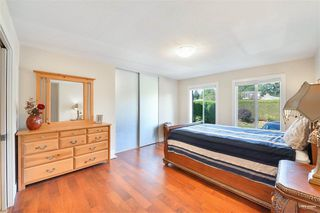 Photo 19: 13976 MARINE Drive: White Rock House for sale (South Surrey White Rock)  : MLS®# R2503536
