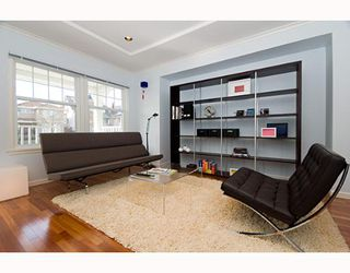 Photo 3: 955 W 17TH Ave in Vancouver: Cambie House for sale (Vancouver West)  : MLS®# V639695