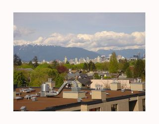 "Photo 2: 3727 W 10TH Ave in Vancouver: Point Grey Townhouse for sale in ""THE FOLKSTONE"" (Vancouver West)  : MLS®# V644591"