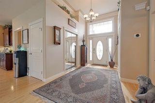 Photo 2: 612 HIGHLAND Drive: Sherwood Park House for sale : MLS®# E4166650
