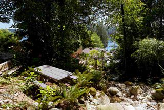 """Photo 17: 2609 PANORAMA Drive in North Vancouver: Deep Cove House for sale in """"Deep Cove"""" : MLS®# R2393630"""