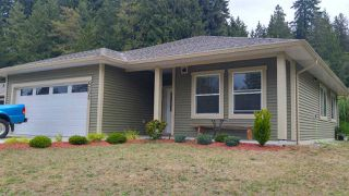 Photo 2: 6202 SITKA Road in Sechelt: Sechelt District House for sale (Sunshine Coast)  : MLS®# R2425728