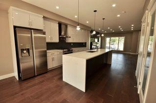 Photo 9: 8753 92A Avenue in Edmonton: Zone 18 House for sale : MLS®# E4203954