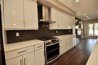 Photo 6: 8753 92A Avenue in Edmonton: Zone 18 House for sale : MLS®# E4203954