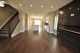 Photo 3: 8753 92A Avenue in Edmonton: Zone 18 House for sale : MLS®# E4203954