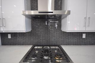Photo 8: 8753 92A Avenue in Edmonton: Zone 18 House for sale : MLS®# E4203954