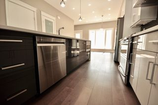 Photo 7: 8753 92A Avenue in Edmonton: Zone 18 House for sale : MLS®# E4203954