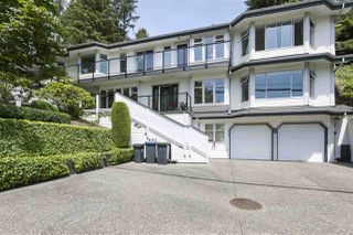 Photo 1: 923 IOCO Road in Port Moody: Barber Street House for sale : MLS®# R2470902