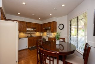 "Photo 8: 44 2962 NELSON Place in Abbotsford: Central Abbotsford Townhouse for sale in ""Willband Creek"" : MLS®# R2475236"