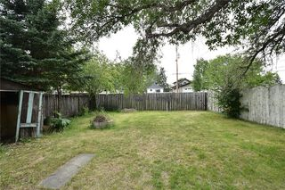 Photo 3: 2305 16 Street SE in Calgary: Inglewood Detached for sale : MLS®# A1042881
