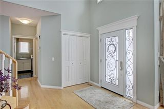 Photo 3: 37 Mt Alberta View SE in Calgary: McKenzie Lake Detached for sale : MLS®# A1043599