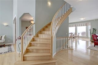 Photo 18: 37 Mt Alberta View SE in Calgary: McKenzie Lake Detached for sale : MLS®# A1043599