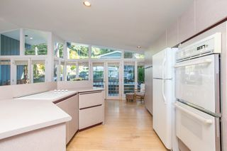 "Photo 16: 51 BRUNSWICK BEACH Road: Lions Bay House for sale in ""Brunswick Beach"" (West Vancouver)  : MLS®# R2514831"