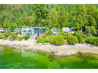 """Photo 3: 51 BRUNSWICK BEACH Road: Lions Bay House for sale in """"Brunswick Beach"""" (West Vancouver)  : MLS®# R2514831"""