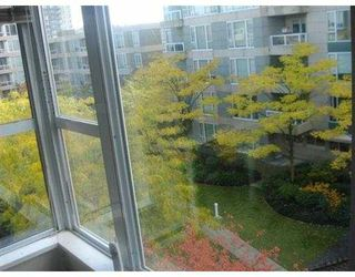 """Photo 4: 408 3488 VANNESS Avenue in Vancouver: Collingwood VE Condo for sale in """"COLLINGWOOD VILLAGE"""" (Vancouver East)  : MLS®# V669310"""