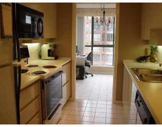 "Photo 4: 907 2288 PINE Street in Vancouver: Fairview VW Condo for sale in ""THE FAIRVIEW"" (Vancouver West)  : MLS®# V676503"