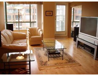 "Photo 2: 907 2288 PINE Street in Vancouver: Fairview VW Condo for sale in ""THE FAIRVIEW"" (Vancouver West)  : MLS®# V676503"