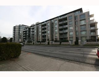 "Photo 1: 301 750 W 12TH Avenue in Vancouver: Fairview VW Condo for sale in ""TAPESTRY"" (Vancouver West)  : MLS®# V690233"