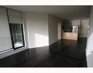 "Photo 2: 301 750 W 12TH Avenue in Vancouver: Fairview VW Condo for sale in ""TAPESTRY"" (Vancouver West)  : MLS®# V690233"