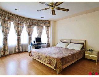 Photo 7: 8867 141B Street in Surrey: Bear Creek Green Timbers House for sale : MLS®# F2702775