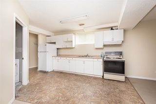 Photo 11: 9741 161 Street in Edmonton: Zone 22 House for sale : MLS®# E4165943