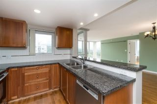 Photo 14: 1905 235 GUILDFORD WAY in Port Moody: North Shore Pt Moody Condo for sale : MLS®# R2404474