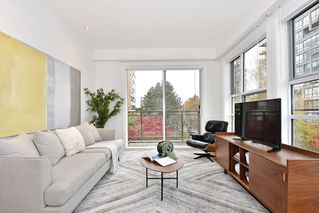 "Photo 3: 306 2128 W 40TH Avenue in Vancouver: Kerrisdale Condo for sale in ""KERRISDALE GARDENS"" (Vancouver West)  : MLS®# R2419404"