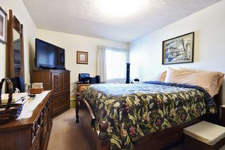 "Photo 7: 311 33870 FERN Street in Abbotsford: Central Abbotsford Condo for sale in ""Fernwood Manor"" : MLS®# R2420512"