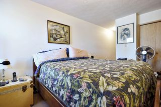 "Photo 8: 311 33870 FERN Street in Abbotsford: Central Abbotsford Condo for sale in ""Fernwood Manor"" : MLS®# R2420512"