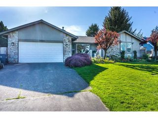 Main Photo: 5921 191 Street in Surrey: Cloverdale BC House for sale (Cloverdale)  : MLS®# R2437464
