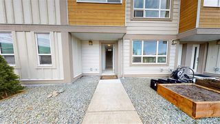"""Photo 19: 50 1188 WILSON Crescent in Squamish: Dentville Townhouse for sale in """"CURRET"""" : MLS®# R2451766"""