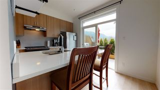 "Photo 2: 50 1188 WILSON Crescent in Squamish: Dentville Townhouse for sale in ""CURRET"" : MLS®# R2451766"